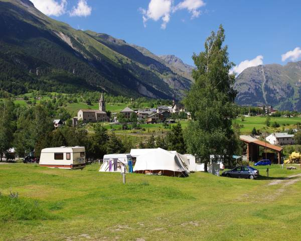 Camping Le Chenantier SOLLIERES SARDIERES