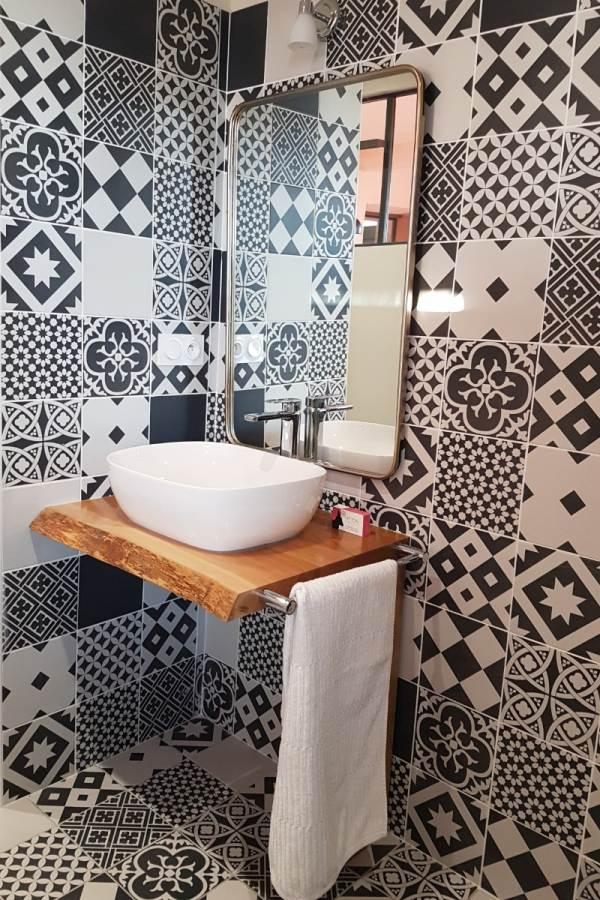 Chambre Côté terrasse, la salle de bain