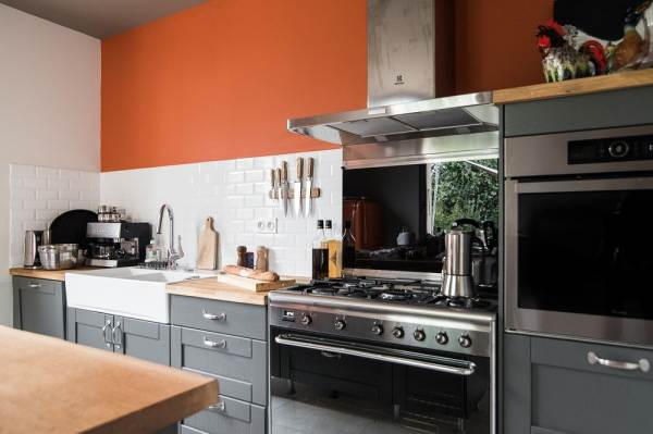 La cuisine, fonctionnelle et chaleureuse