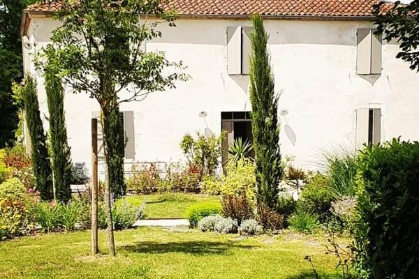 Lassenat, ancienne ferme gasconne du 19ème siècle