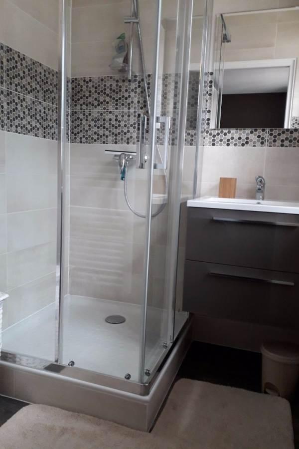 Le Crêt de la Neige - La Barillette -  Salle d'eau communicante avec chambre parentale