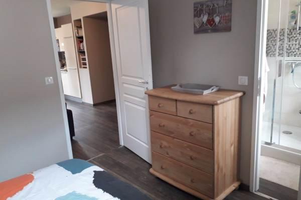 Le Crêt de la Neige - La Barillette -  Chambre parentale communicante avec salle d'eau