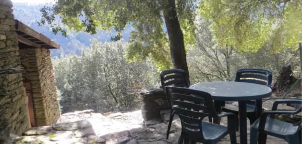 Gîte le Mazelet Haut - terrasse ombragée
