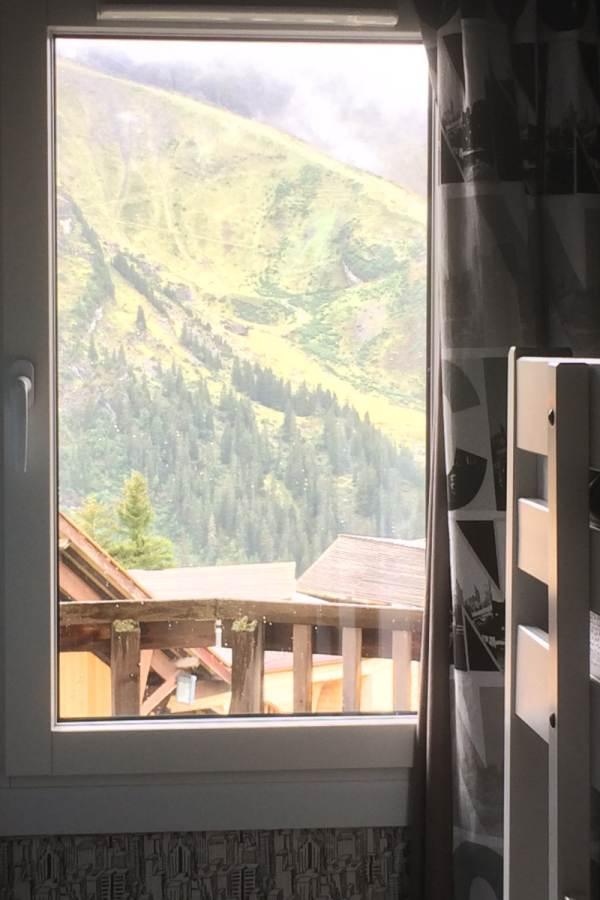 détail et vue de la chambre 2