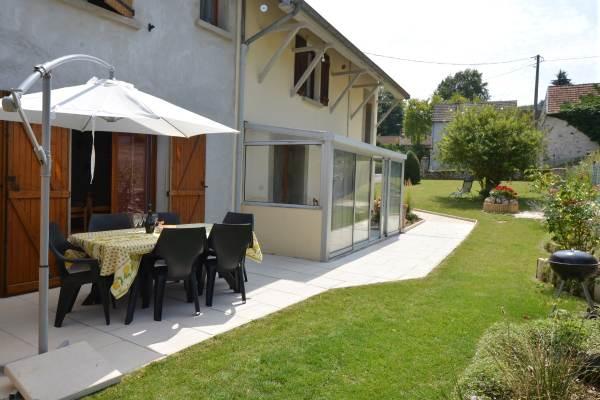 Terrasse et véranda Gîte du Lavoir