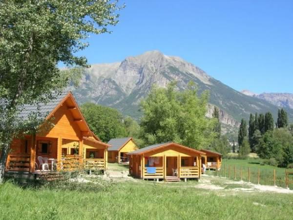 Camping Hotel de plein air les Cariamas CHATEAUROUX LES ALPES