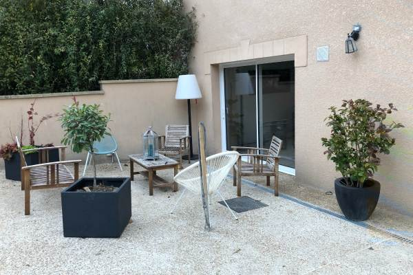 Terrasse accessible depuis le spa